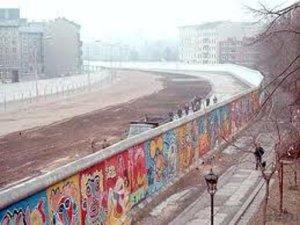 berlin wall2