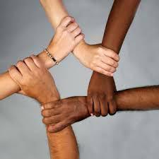 linking-hands1121