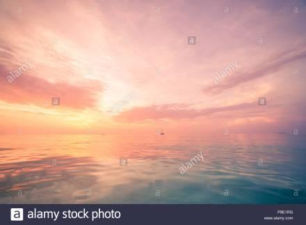 horizon sea sky